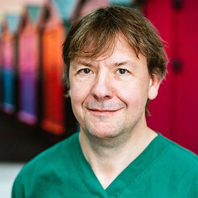 Iain Hoeltschi Invisalign doctor